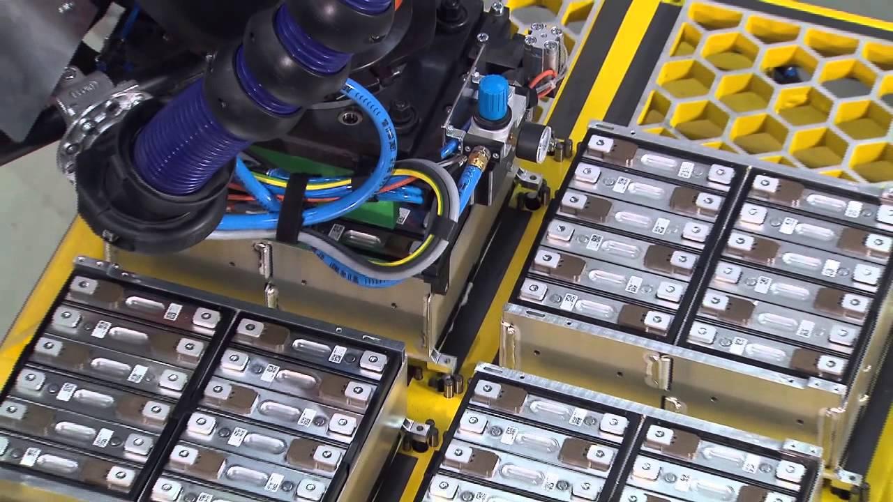 В BMW не будут утилизировать отслужившие батареи от электрокара i3 3