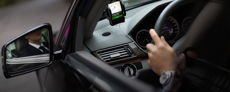 Водителя такси Uber уволили из-за ненависти к гомосексуализму 1