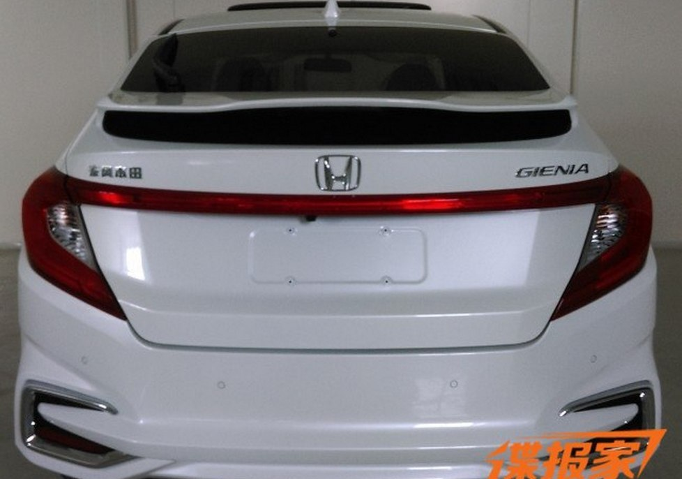Honda готовит новый хетчбэк 2