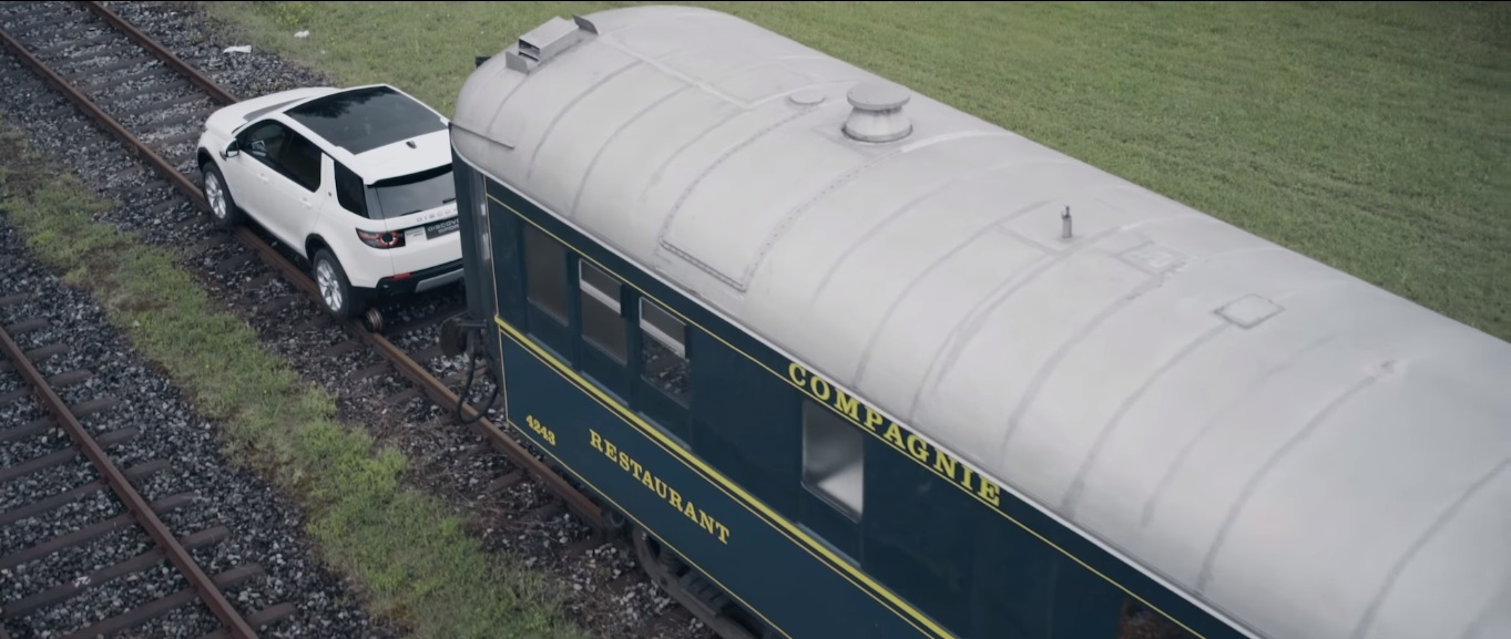 Land Rover Discovery Sport протянул поезд массой 100 тонн 3