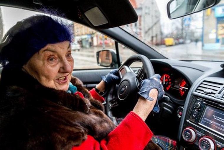 Пенсионерка из Польши за 13 лет накопила на Subaru WRX STI 1