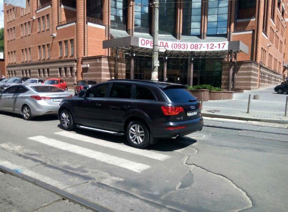Столичный герой парковки превзошел пределы «автохамства» 1