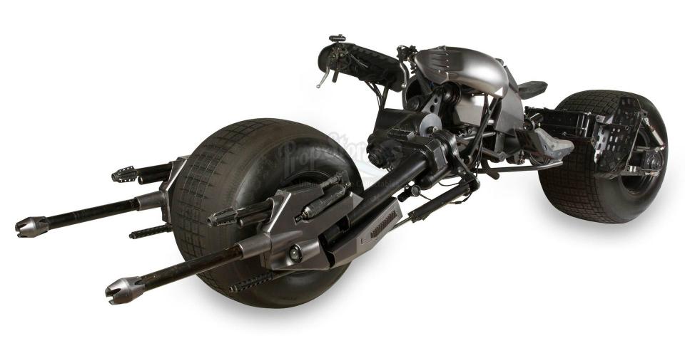 Уникальный мотоцикл «Бэтмена» выставили на аукцион 2