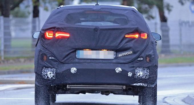 Новый кроссовер Hyundai рассмотрели сквозь камуфляж 3