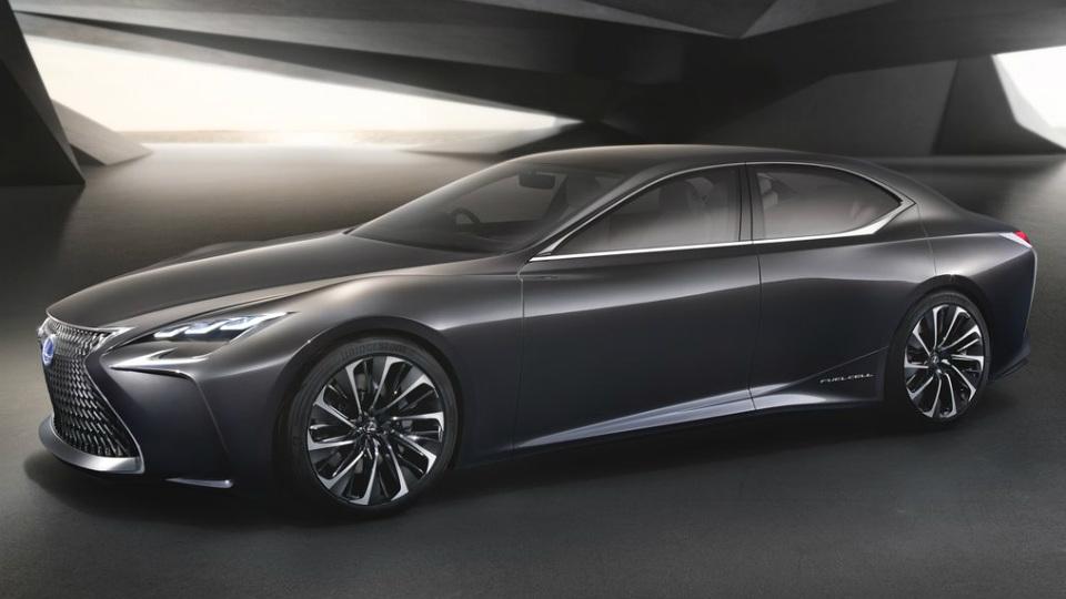 Lexus запустит в серию водородный кроссовер 2