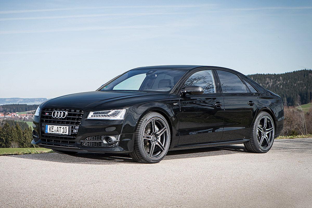 «Мощнее некуда»: тест-драйв Audi S8 1