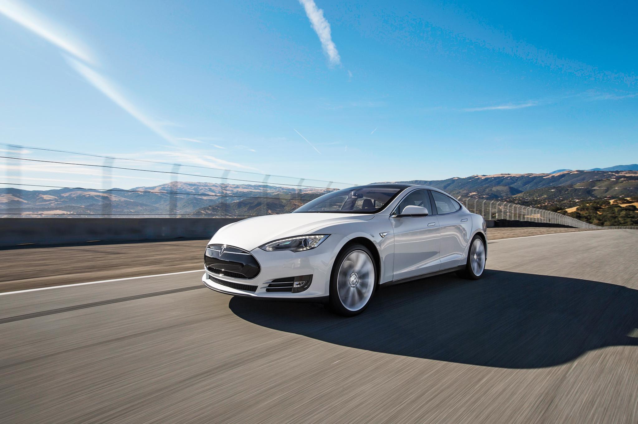 Tesla Model S станет дороже 1