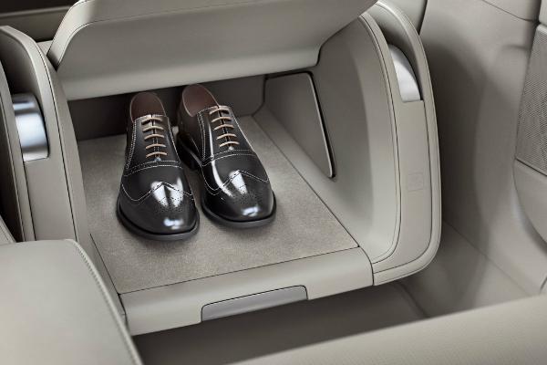 Volvo предлагает модель без переднего сидения 1