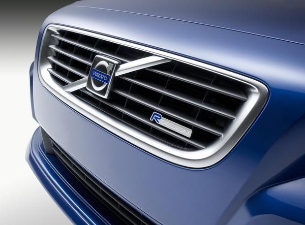 Volvo срочно отзывает 74 000 автомобилей 1
