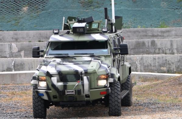 В Украине построили беспилотный броневик КрАЗ 2