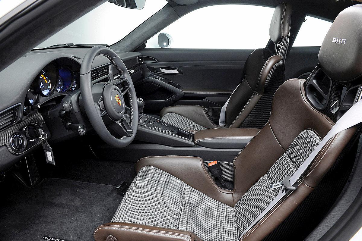 «Автомобиль-невидимка»: тест-драйв Porsche 911R 6