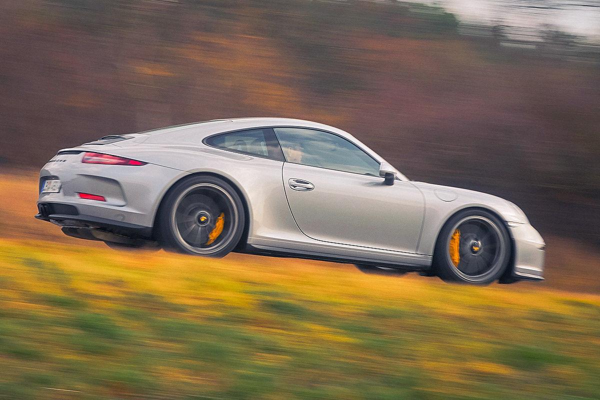 «Автомобиль-невидимка»: тест-драйв Porsche 911R 9