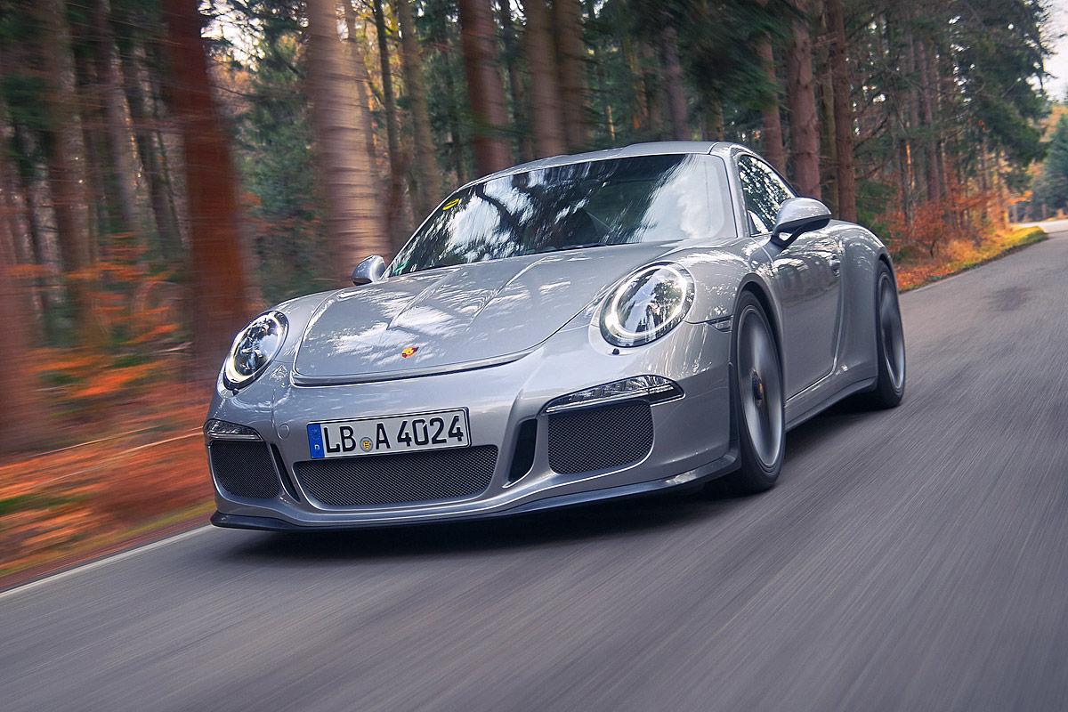 «Автомобиль-невидимка»: тест-драйв Porsche 911R 1