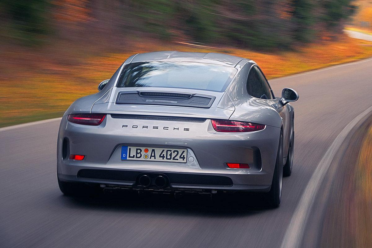 «Автомобиль-невидимка»: тест-драйв Porsche 911R 2