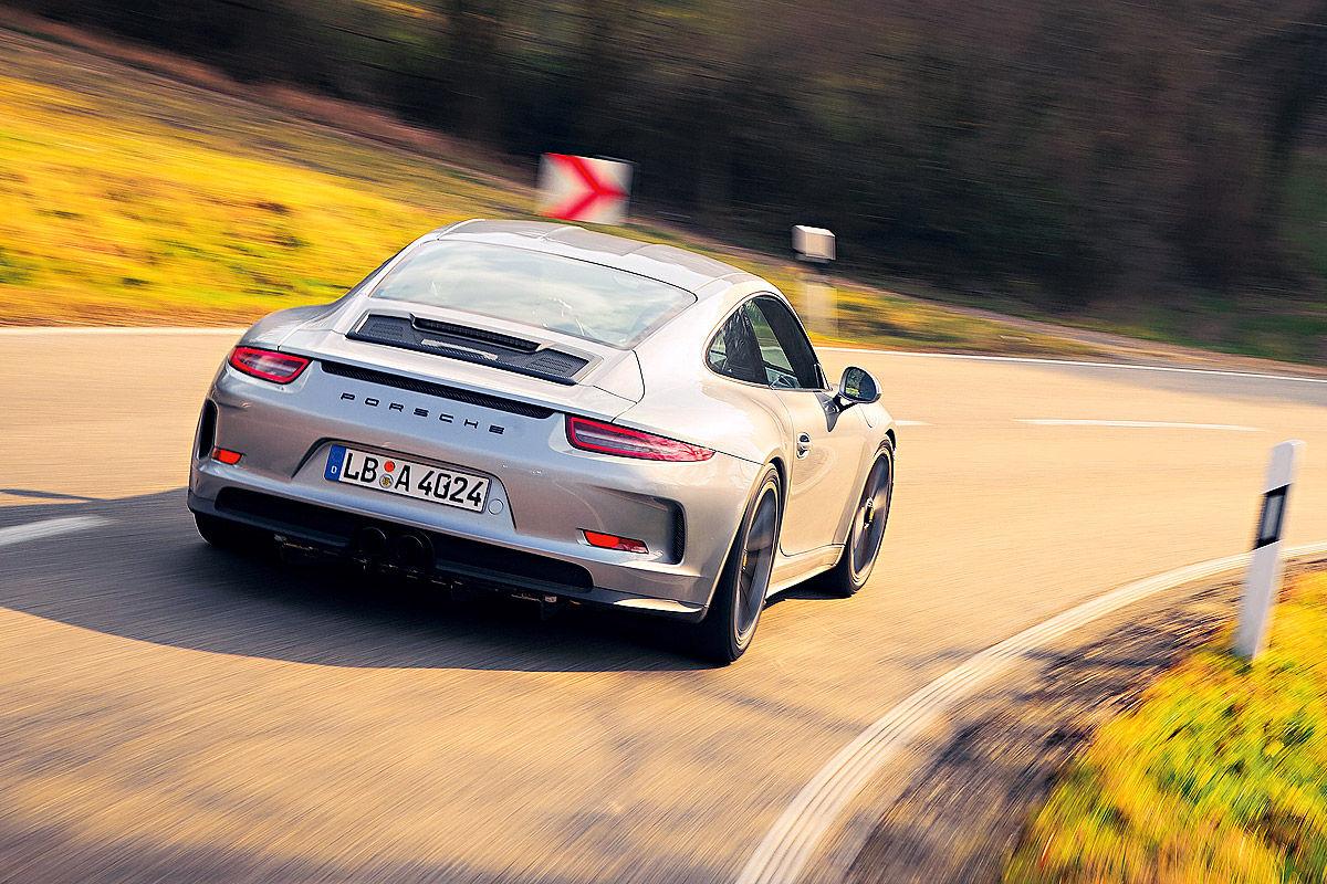 «Автомобиль-невидимка»: тест-драйв Porsche 911R 8