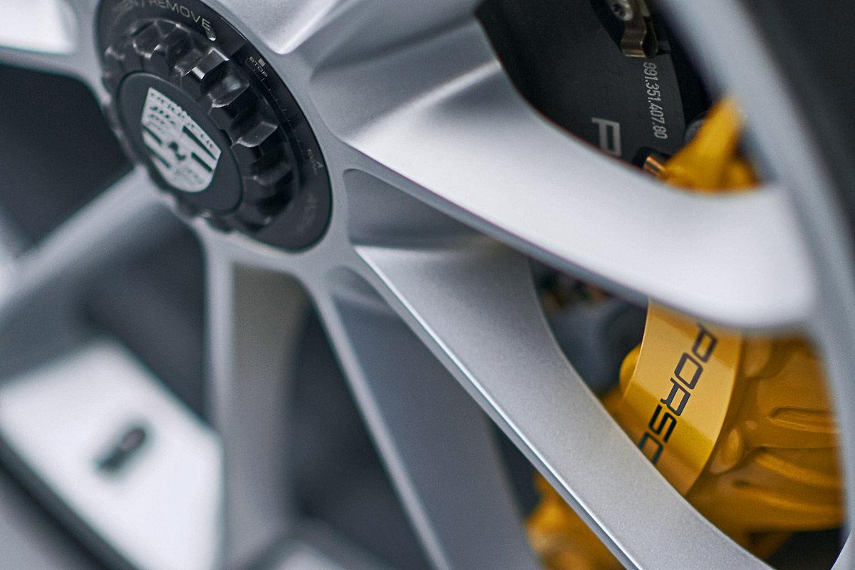 «Автомобиль-невидимка»: тест-драйв Porsche 911R 4