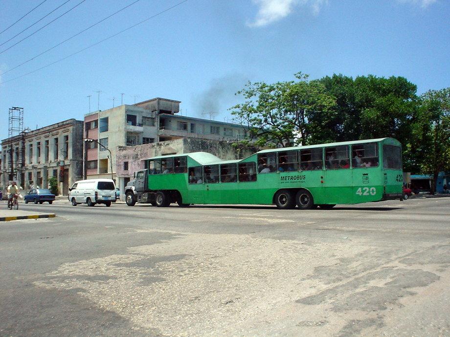 10 «самых клевых» автобусов в мире 3