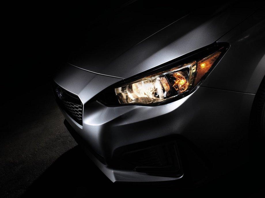 Разработчики Subaru показали первые изображения новой Impreza 1