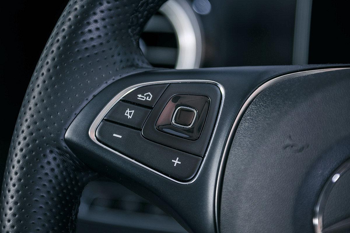«Почти S-класс»: тест-драйв Mercedes E 300 10