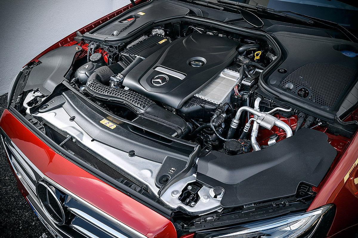«Почти S-класс»: тест-драйв Mercedes E 300 3