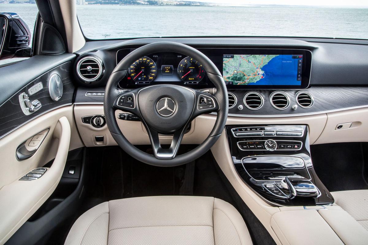 «Почти S-класс»: тест-драйв Mercedes E 300 4