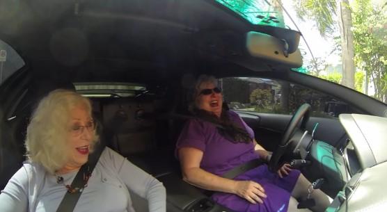 Что будет если посадить пенсионерок за руль Lamborghini 1