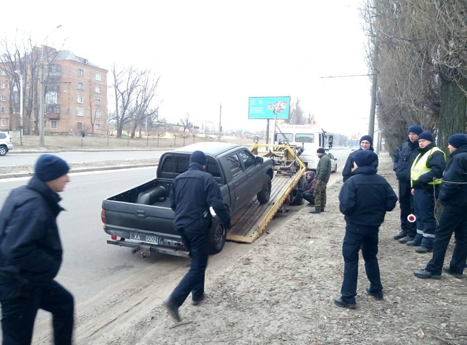 Полицейские начинают изымать «нерастаможенные авто» 1