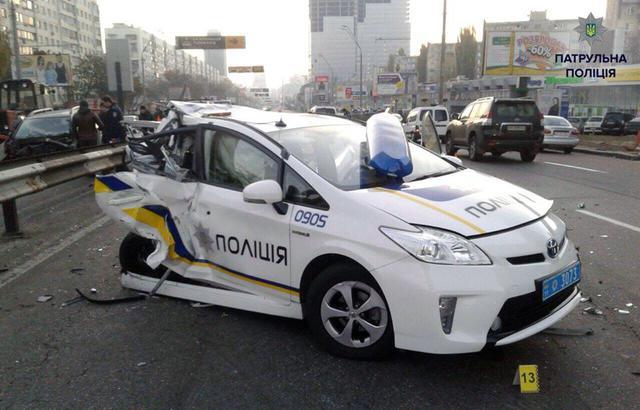 С начала своей работы, столичные полицейские «разбили» 78 Тойота Prius 1