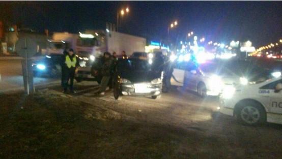 «Чужой опыт - не учитель»: в Киеве патрульные снова гонялись за пьяным водителем 1