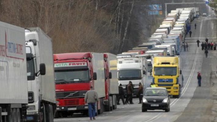 Украинским автомобилистам запретили въезд в Россию на своих ТС 1