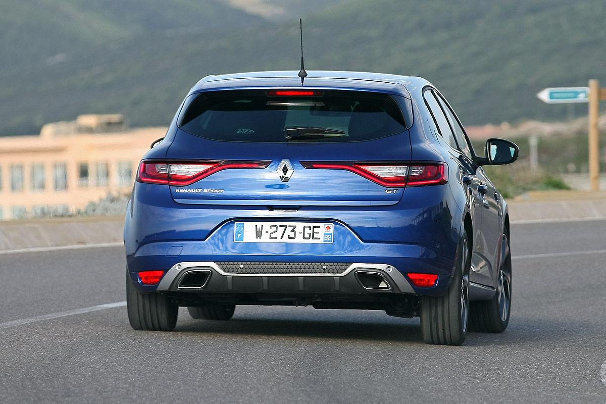 «Компактный и притягивающий восторженные взгляды»: тест-драйв Renault Megane GT 7