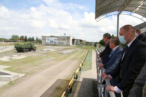 Министр обороны Украины посетил«АвтоКрАЗ»  1