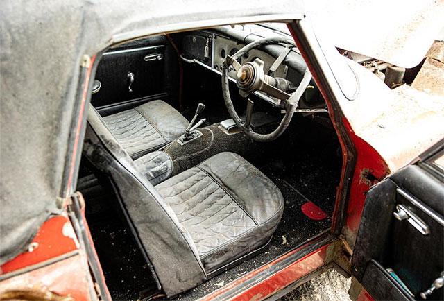 Разбитый 25 лет назад автомобиль продали на аукционе за 130тыс. долларов 3