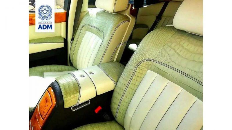 Итальянские правоохранители конфисковали Rolls-Royce Phantom из России, из-за нелегальной отделки его салона 2