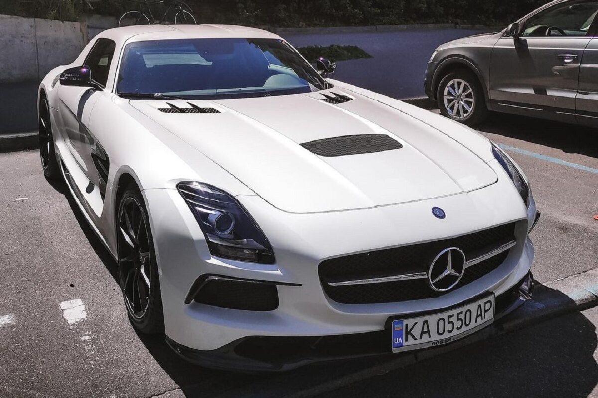 В Украине появился лимитированный заряженный суперкар Mercedes 1