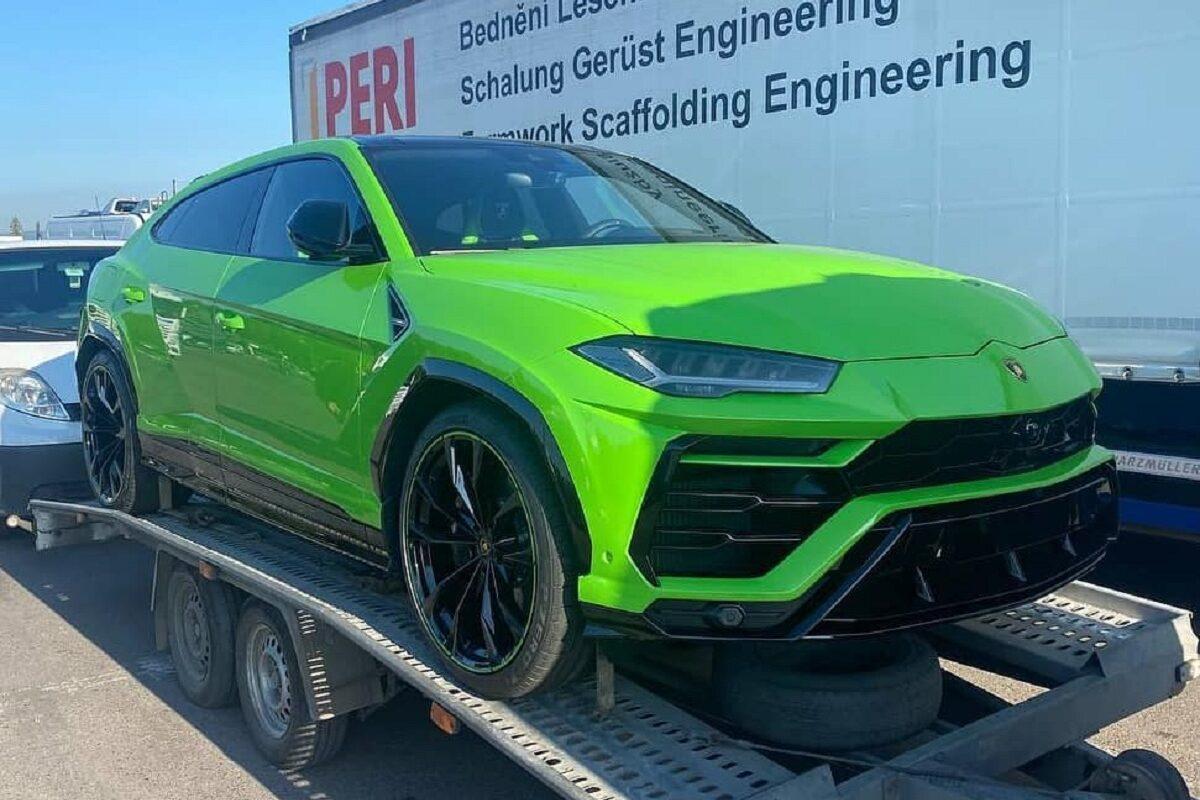 В Украине появился эксклюзивный кроссовер Lamborghini 1
