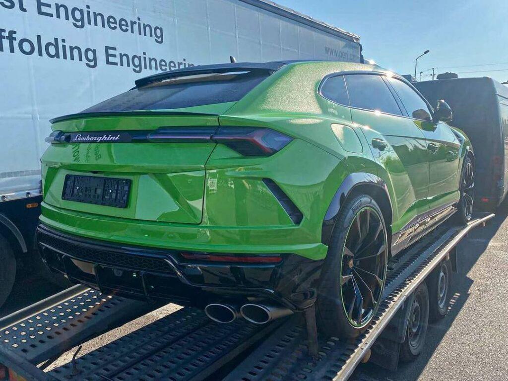 В Украине появился эксклюзивный кроссовер Lamborghini 2