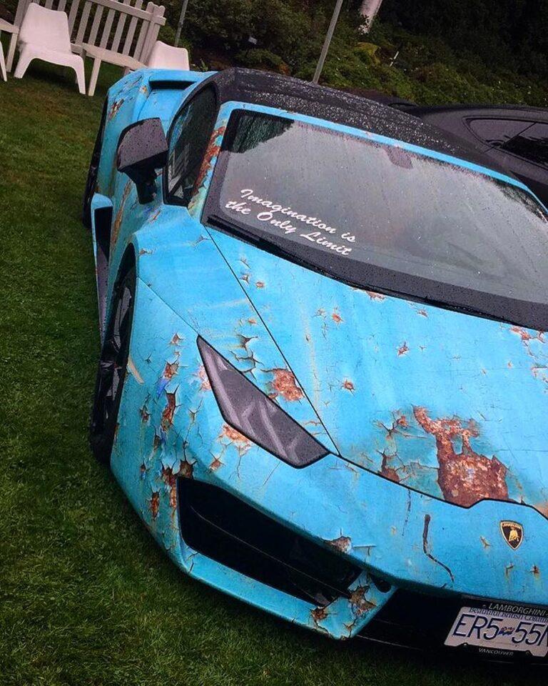 Владелец новой Lamborghini нарочно превратил ее в ржавую рухлядь 1