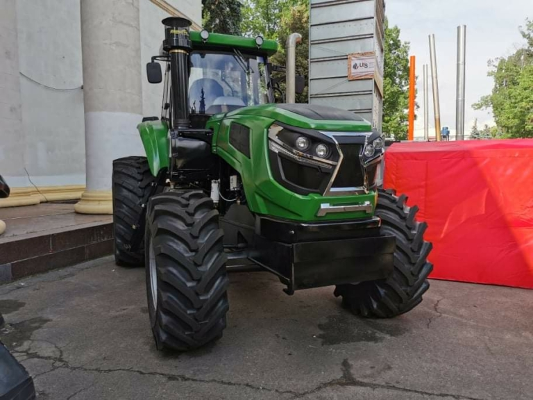 Сичеславский тракторный завод показал новинку 1