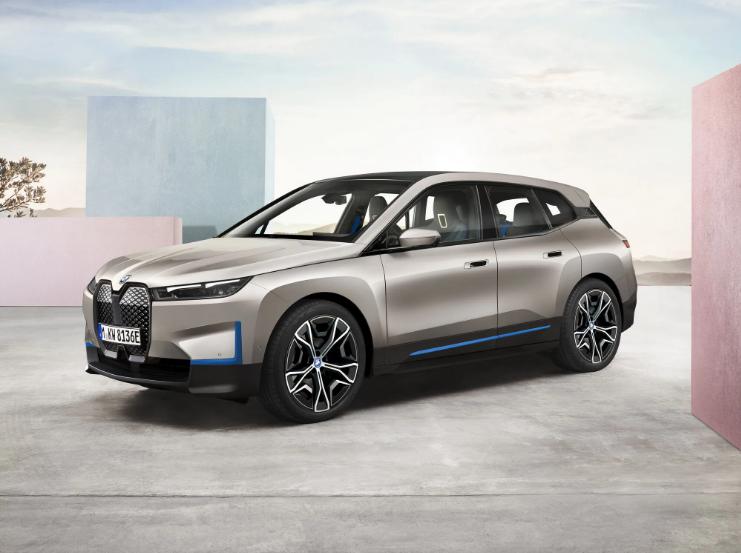 BMWназвала цены на электрокросс iX в Украине 1