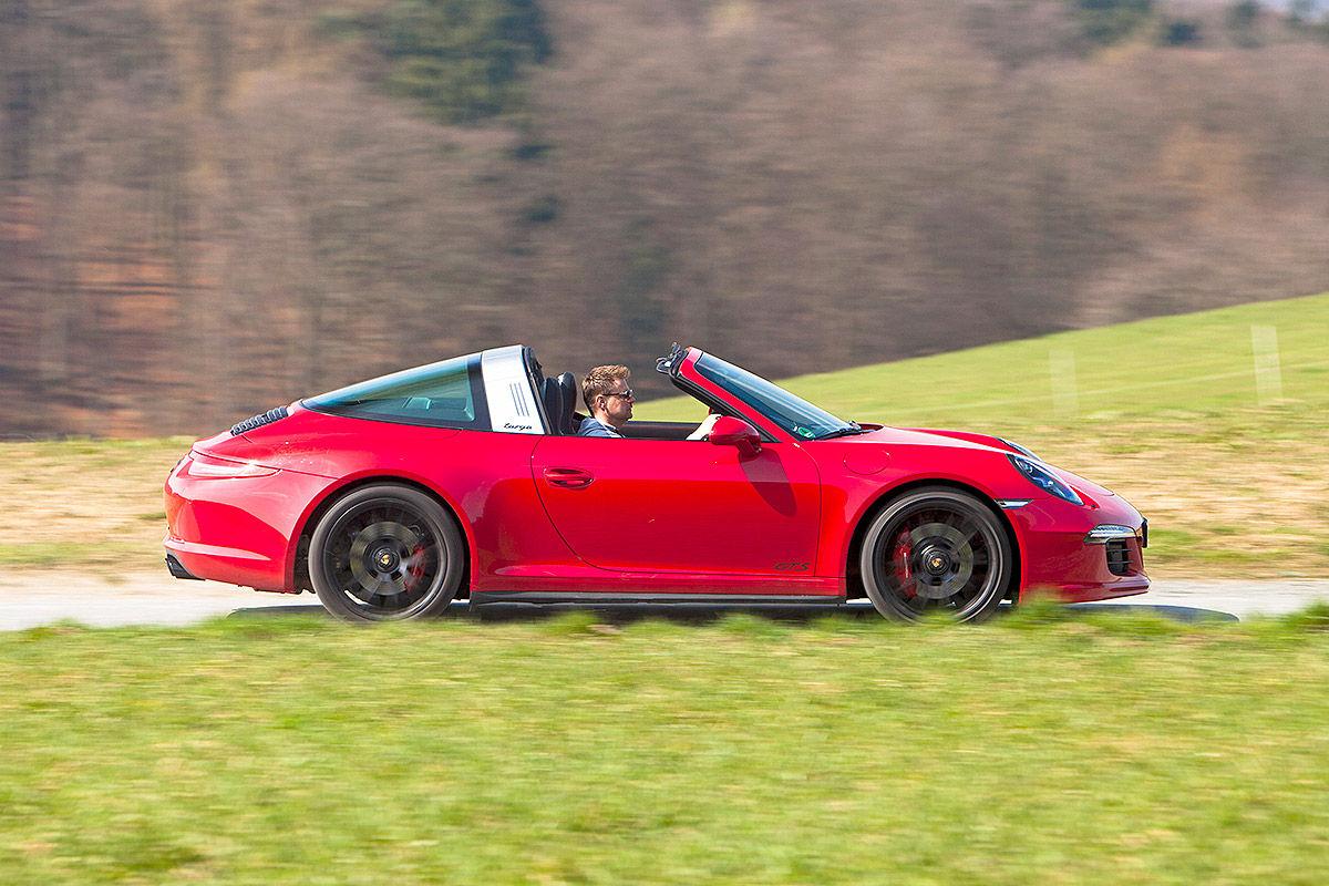 Сравнительный тест-драйв Porsche 911 Targa 4 GTS и Chevrolet Corvette Stingray 4
