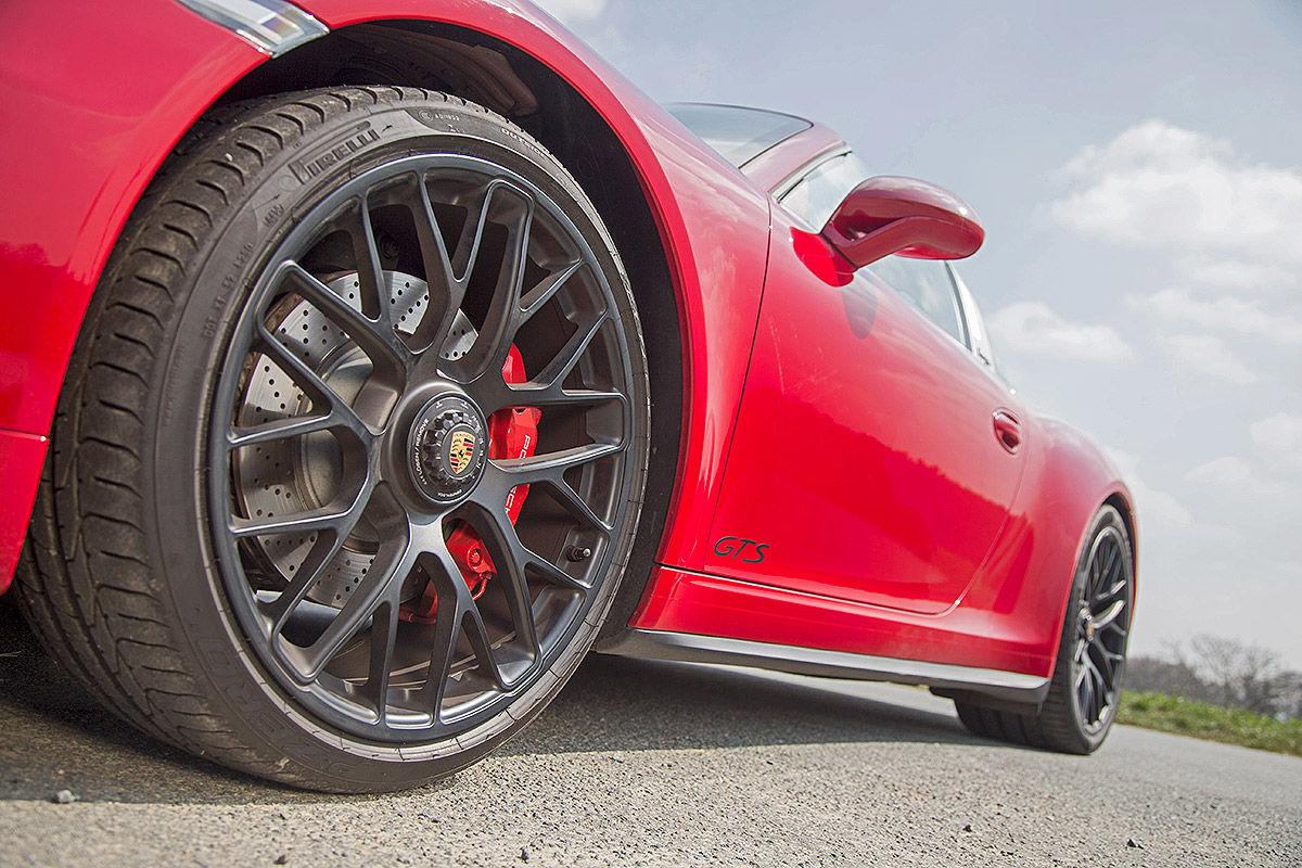 Сравнительный тест-драйв Porsche 911 Targa 4 GTS и Chevrolet Corvette Stingray 6