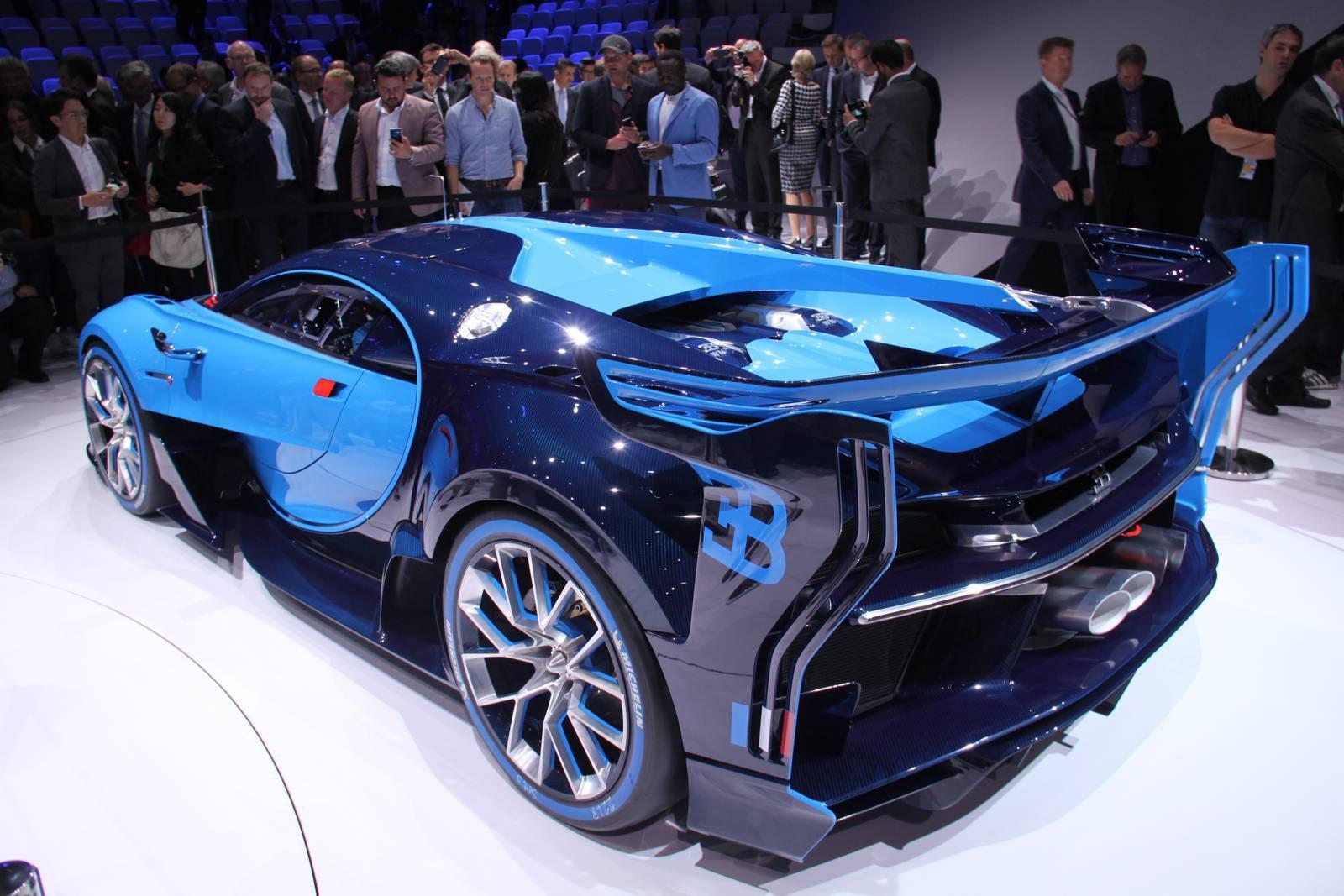 Первые живые фото Bugatti Vision Gran Turismo, Mazda Koeru и других 2