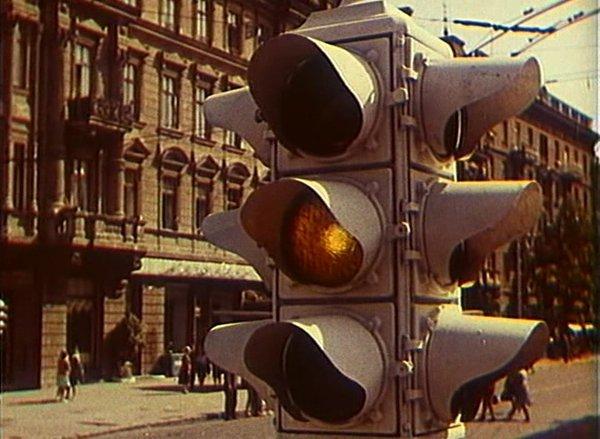 5 августа во всем мире празднуют день светофора 1