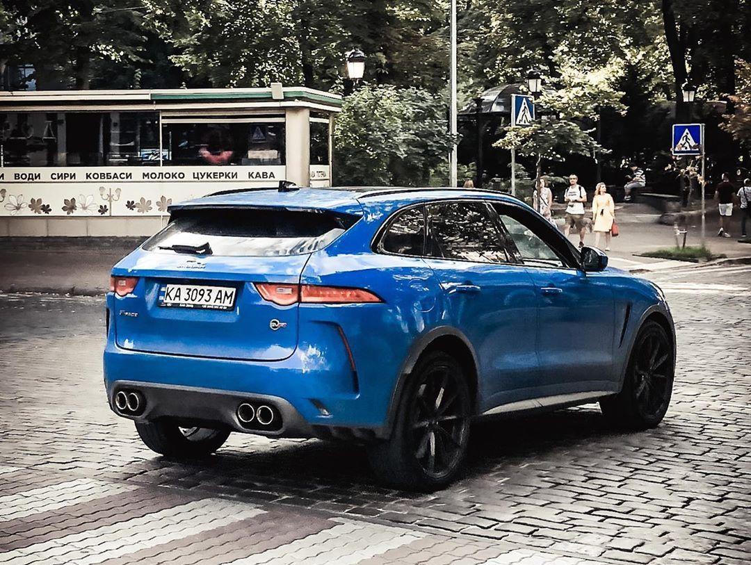 В Украине появился самый быстрый и самый крутой кроссовер Jaguar 2