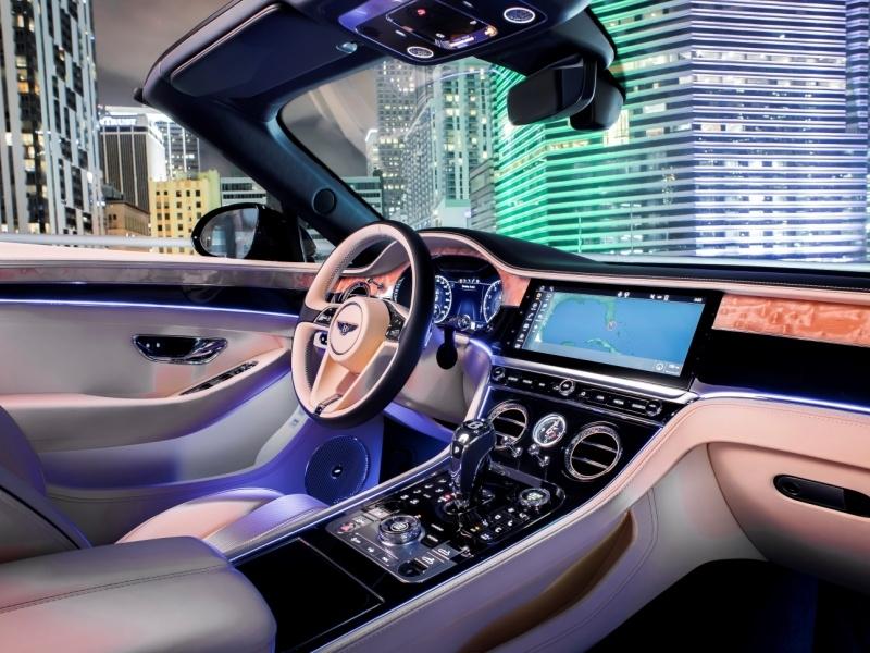 Названы автомобили с самыми совершенными интерьерами