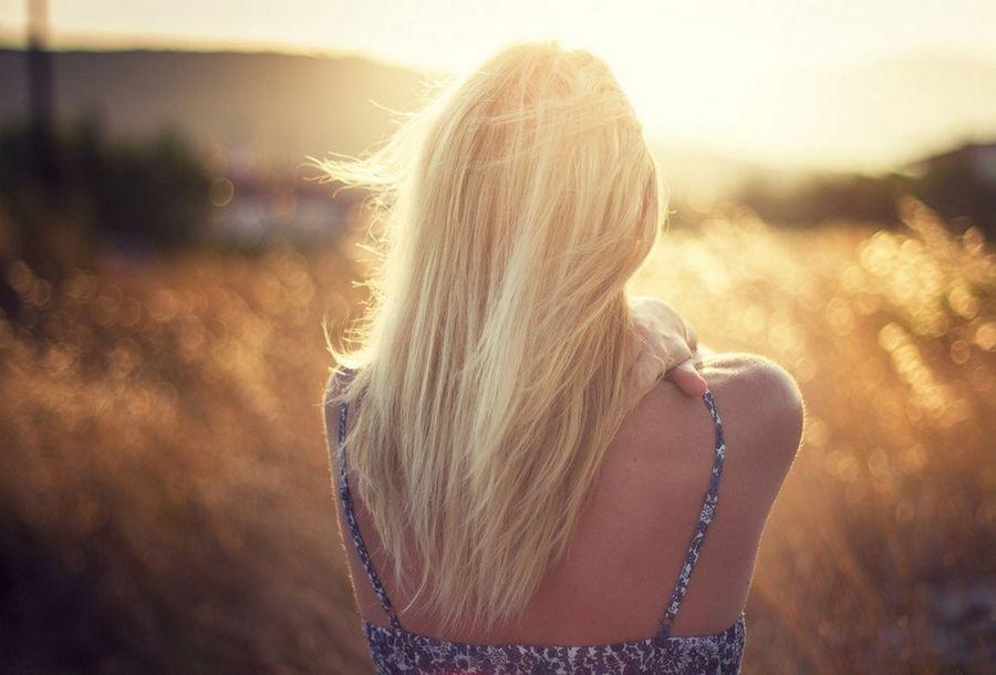 Картинки на аву девушек блондинок со спины