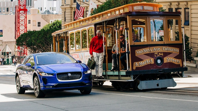 Jaguar отзывает модель I-Pace из-за проблем с тормозами