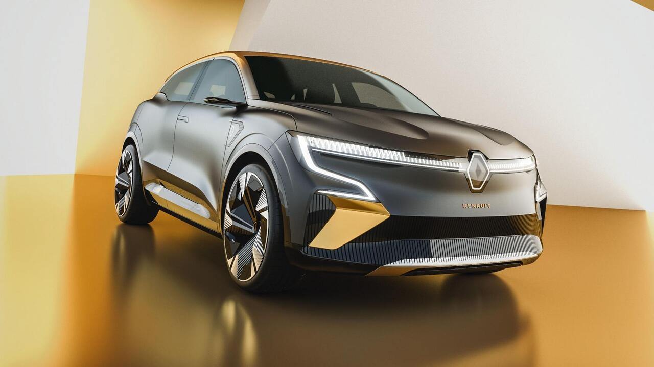 В сети опубликовали первые фото нового Renault Megane EV