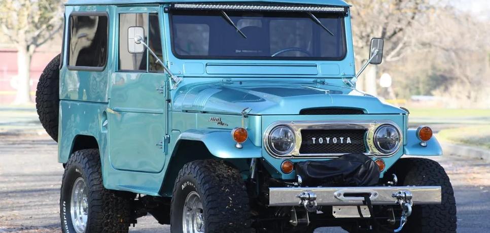 На продажу выставили 56-летний внедорожник Toyota Land Cruiser